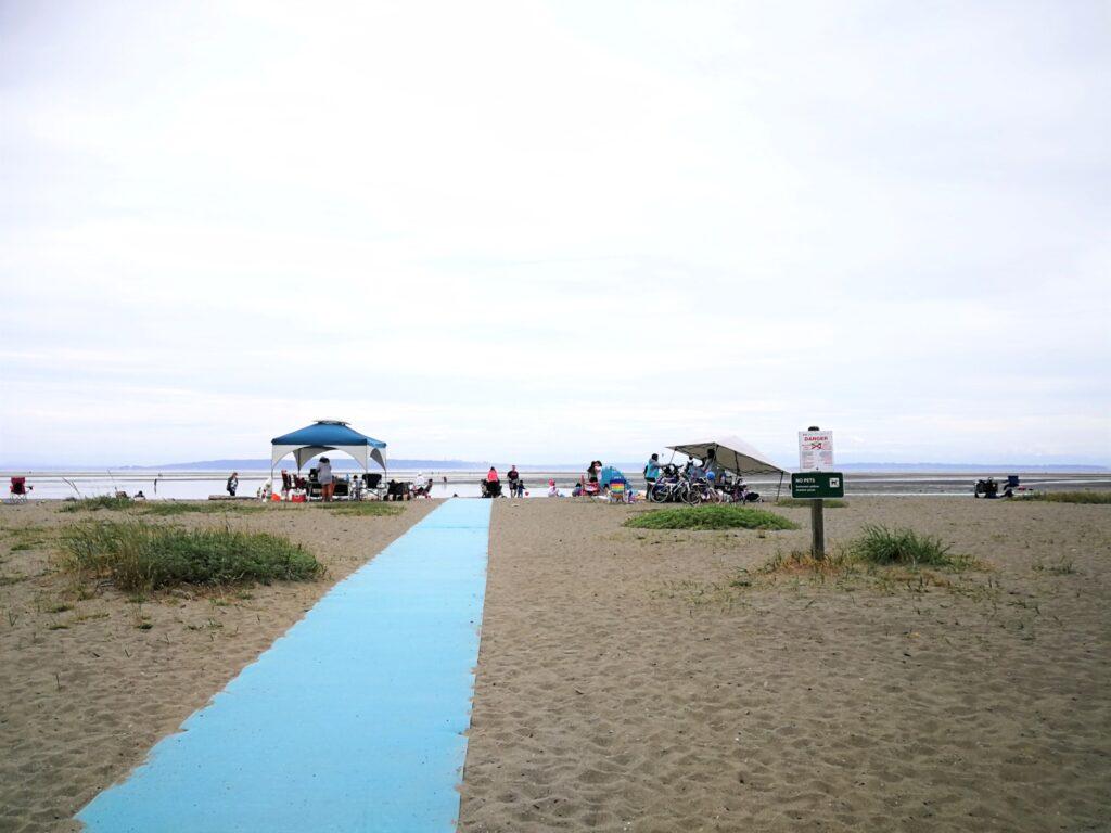 wheelchair accessible trail at Centennial Beach