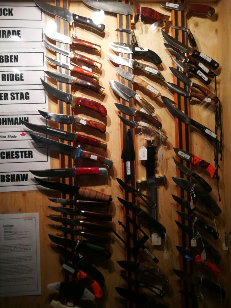 Hunting knives corner Tetsa River