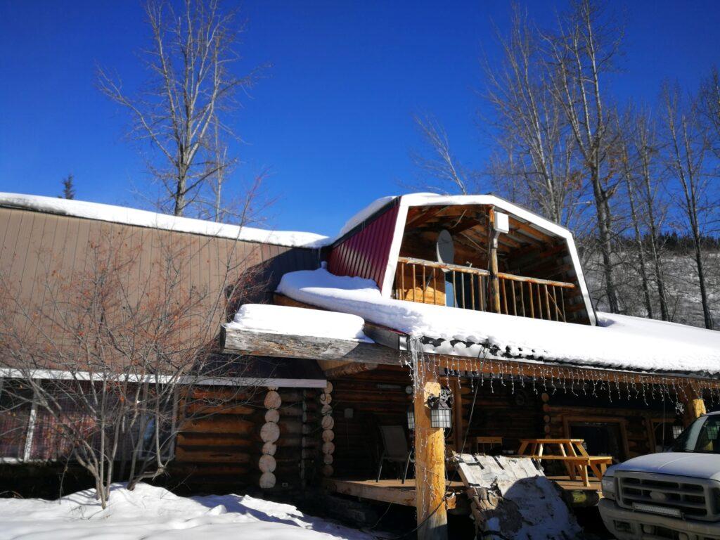 Main lodge of Tetsa River Campground