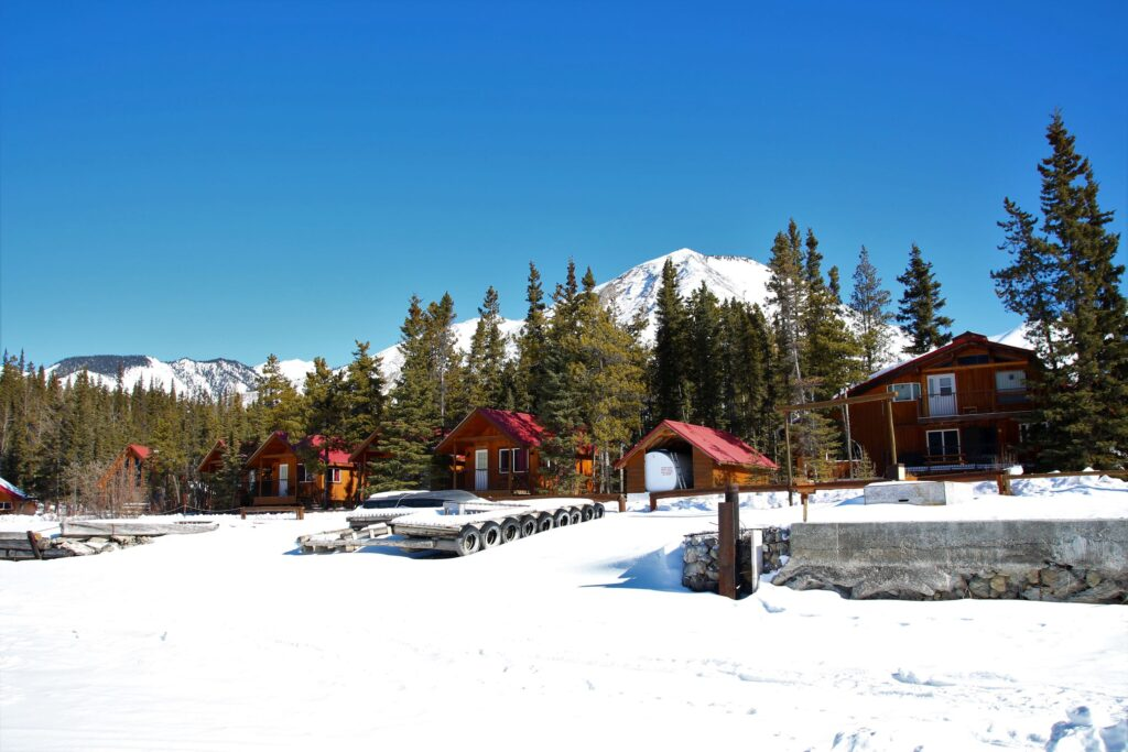 Lakefront cabins of Northern Rockies Lodge