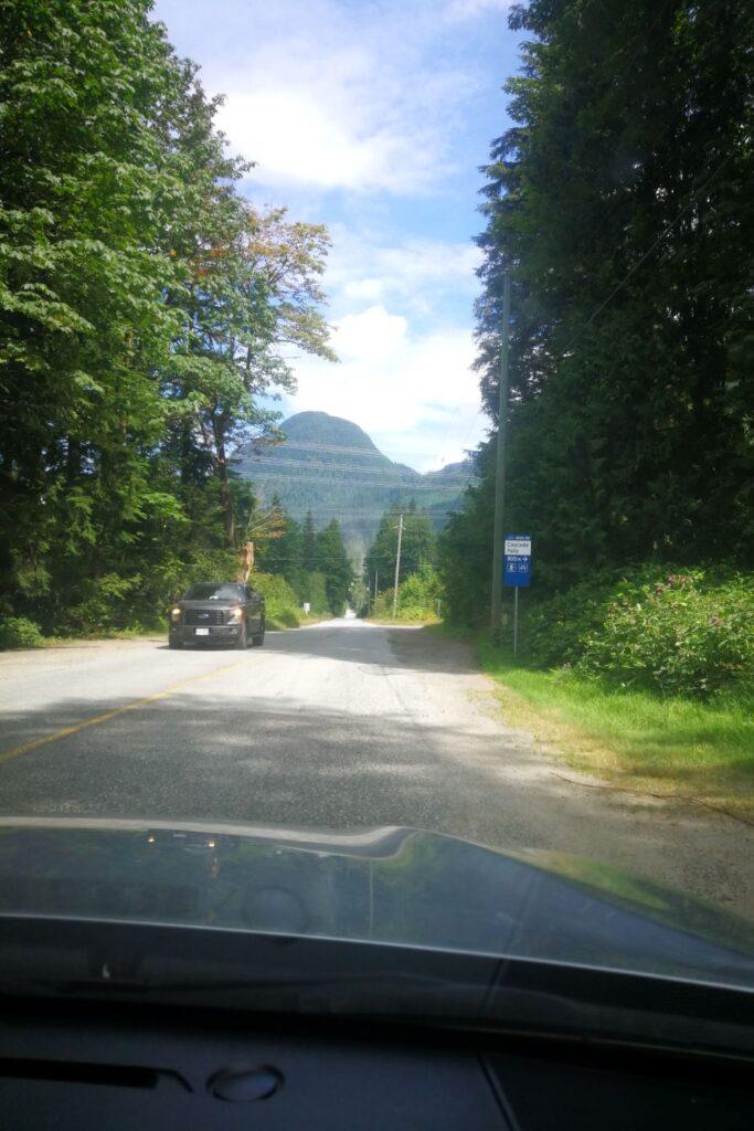 Highway sign of Cascade Falls