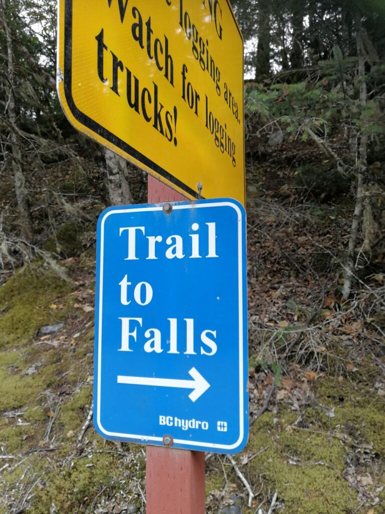 Trail sign of Clayton Falls