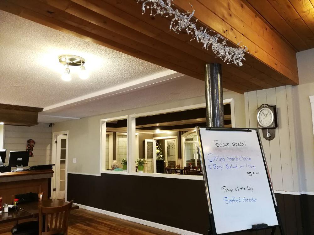 Bella Coola Village Inn Restaurant & Pub