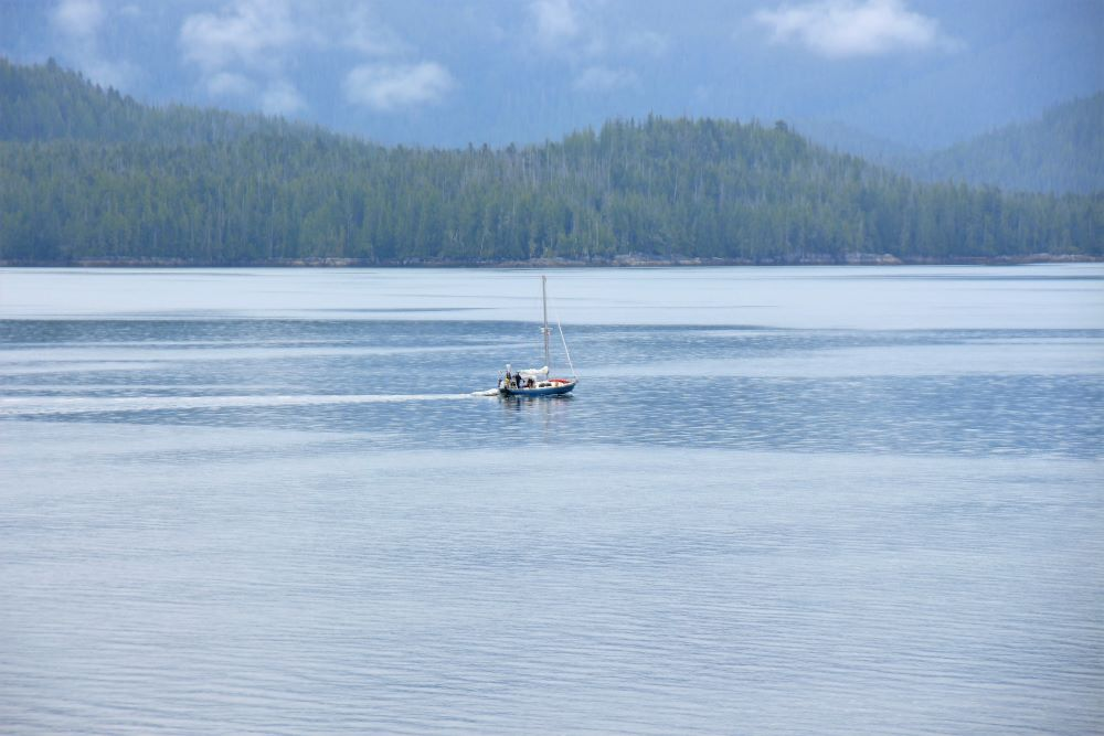 Fishing boat at Fitz Hugh Sound